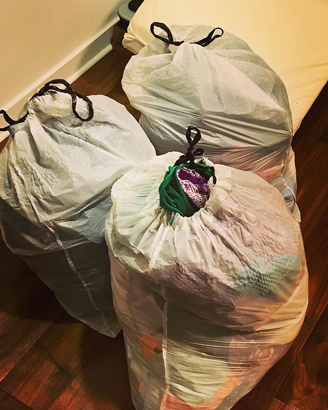 Productive 3-day weekend: donated 3 bags of clothes, cleared out 2 bags of junk and gave away our sparsely used dining table. Phew! 😅