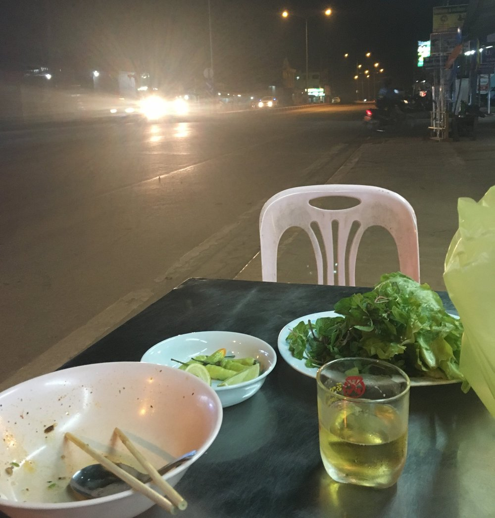 Dinner in Tha Ngon on the side of the road