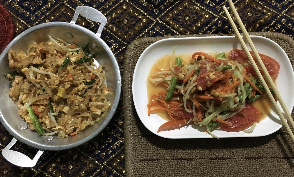 Pad Thai & Papaya salad