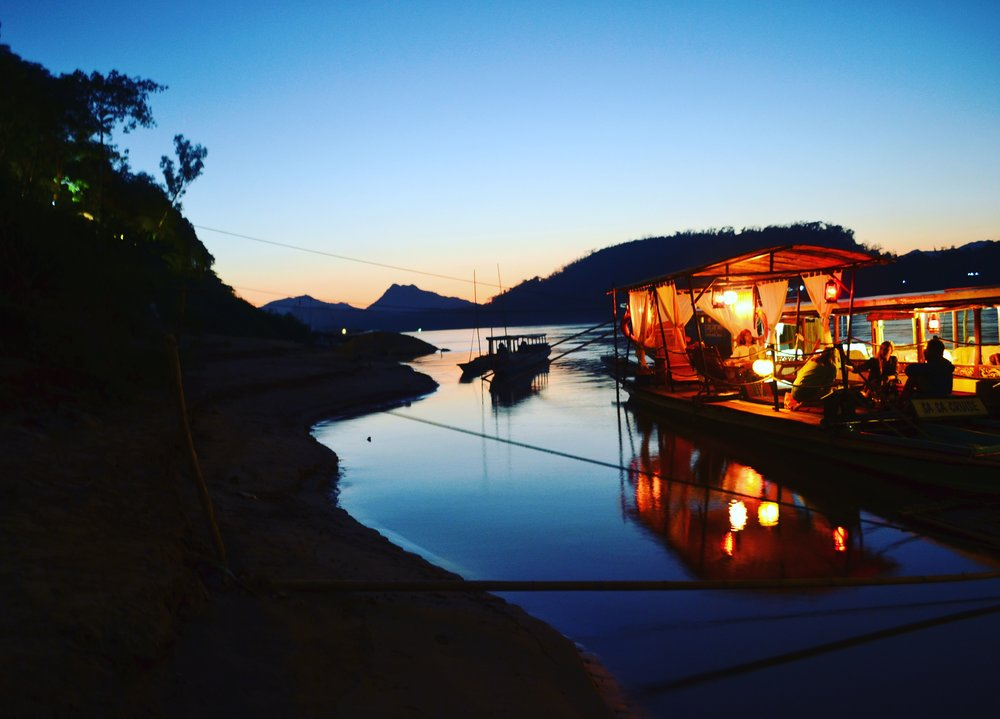 Sunset on the Mekong at Sa sa Bar