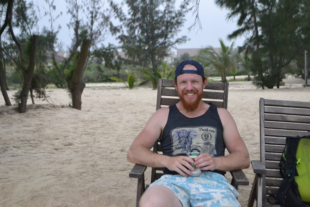 Chilling at the almost deserted  Bao Ninh Beach Resort (Dong Hoi)