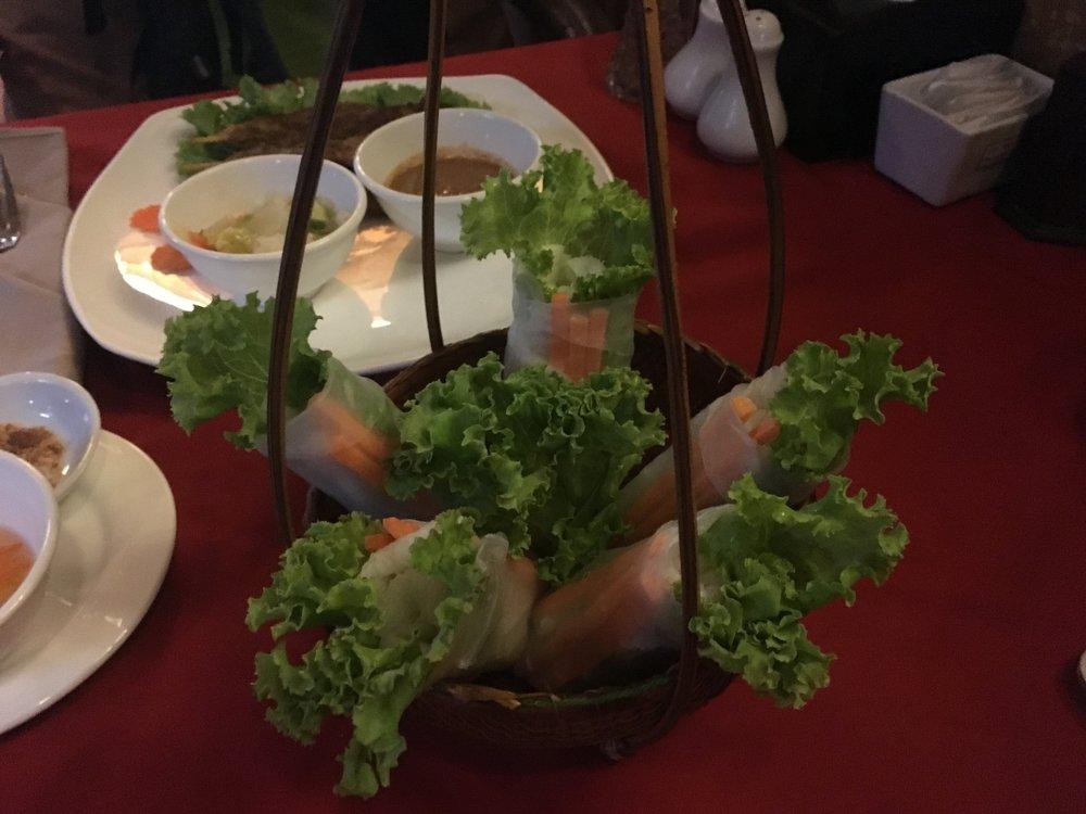 Anise Hotel - Fresh spring rolls