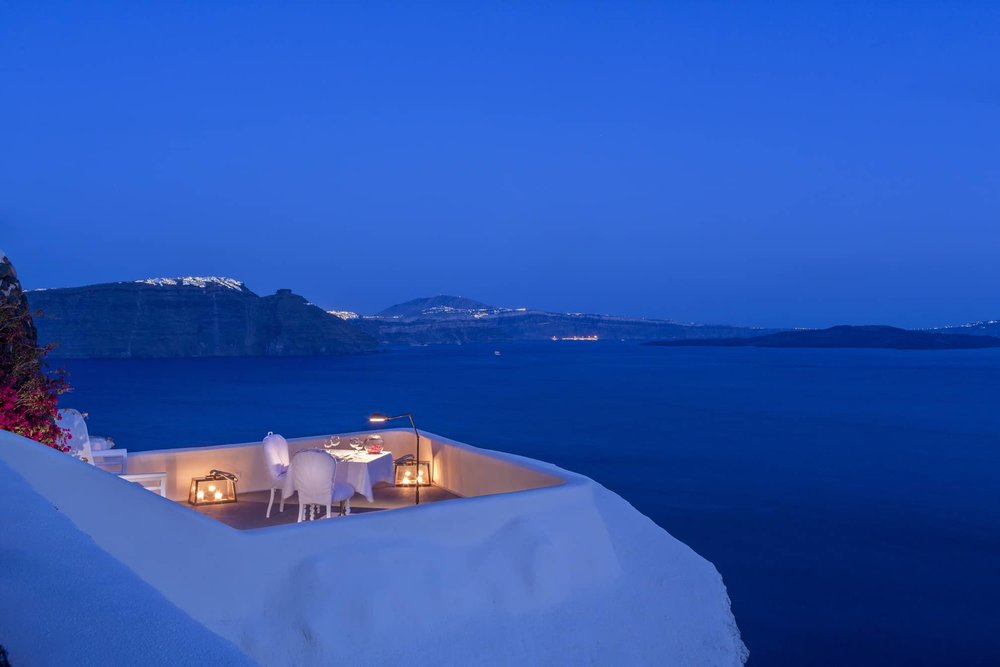 Canaves Oia Suites 1.jpg