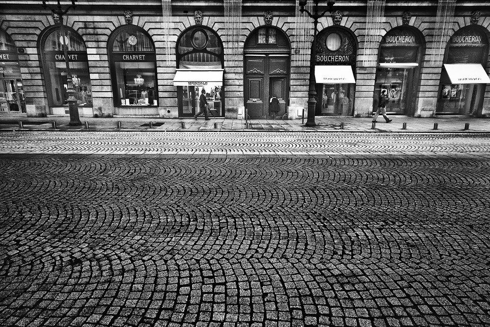 RobertoSoares-Gomes_StreetsOfParis_01.jpg