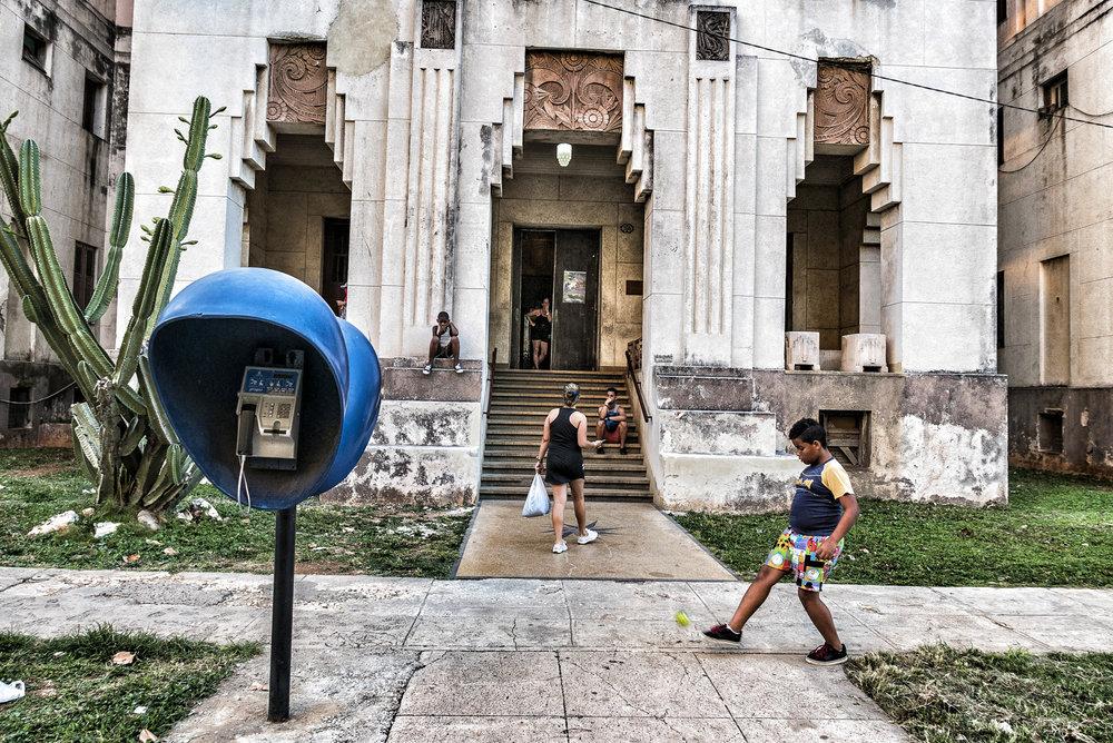 Otto von Munchow_Series Streets of Havana_Untitled 4.JPG