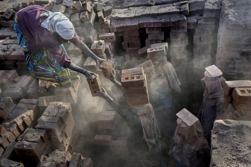 Tejal Mewar_Women Power at Brick Kiln_ Helping hands.jpg