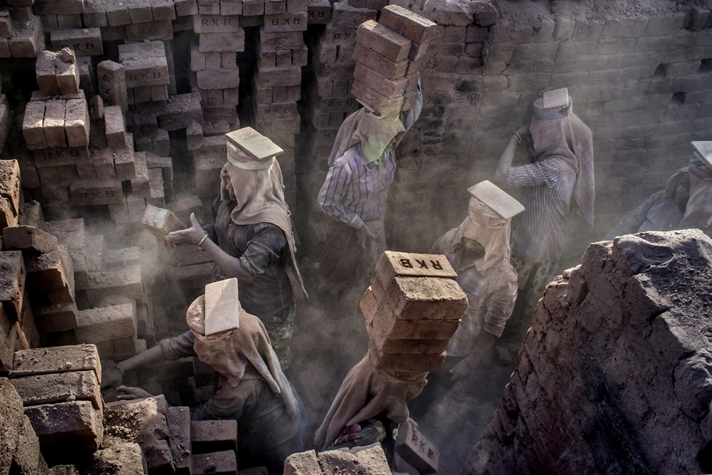 Tejal Mewar_Women Power at Brick Kiln_ Team Work.jpg