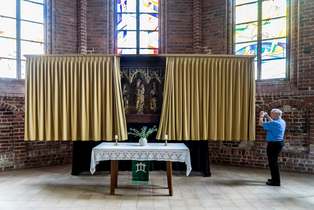 Rainer_Steussloff_Sacred_places_Marienaltar_Rathenow.jpg
