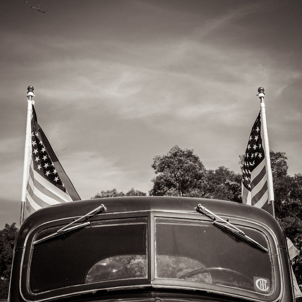 MichaelKnapstein_AmericanMidwest_PatrioticPickup.jpg