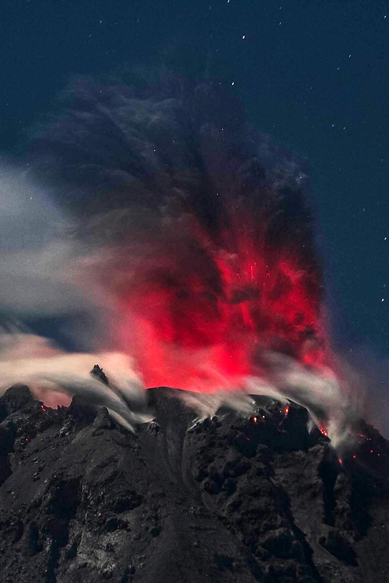 Ivan Damanik_Sinabung Volcano Eruption Indonesia_04.jpg