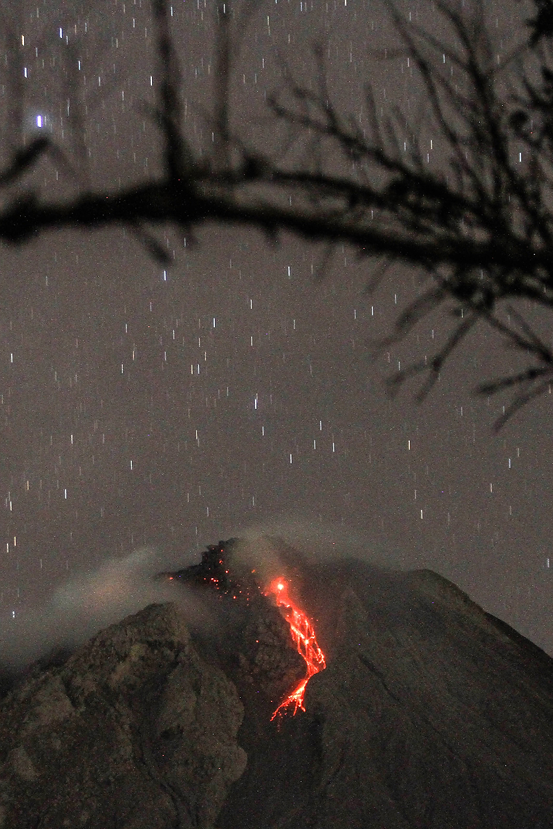 Ivan Damanik_Sinabung Volcano Eruption Indonesia_03.jpg