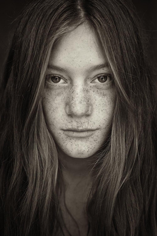 JudithMinks_Freckles_Sera.jpg