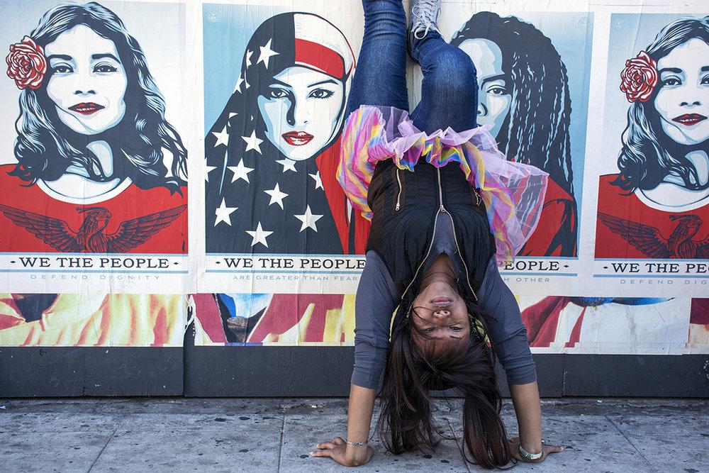 EdwardLRubin_WomensMarchLA2018_Handstand.jpg