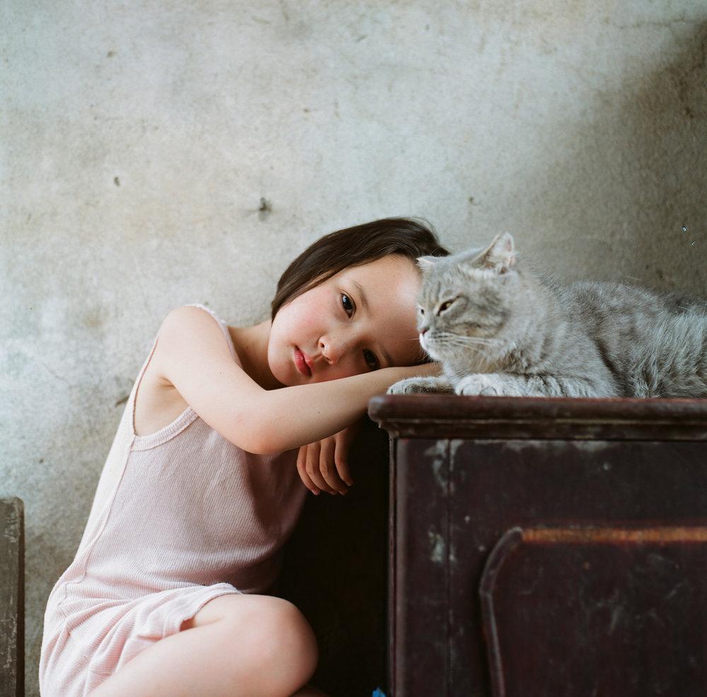 Hui Yi_Girl and cat.jpg