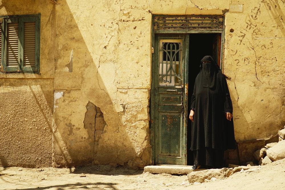 Monia_Lippi_Aswan Woman with Niquab.jpg