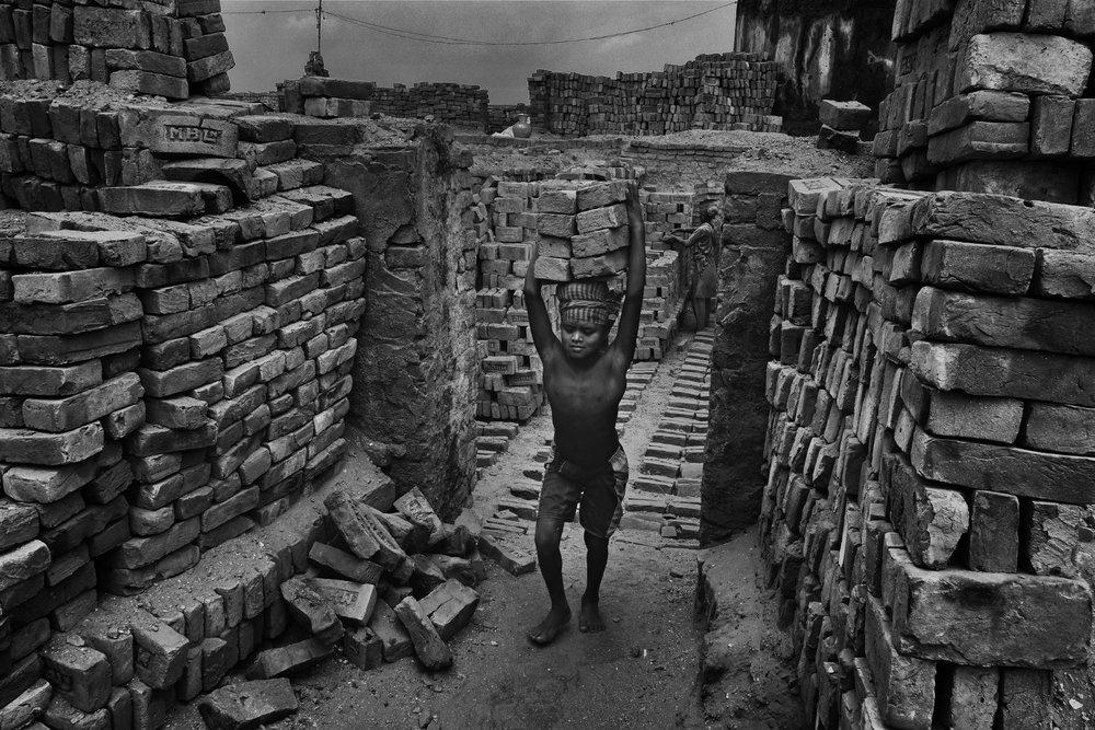 30_Alain_Schroeder_Brick_Prison_05.JPG