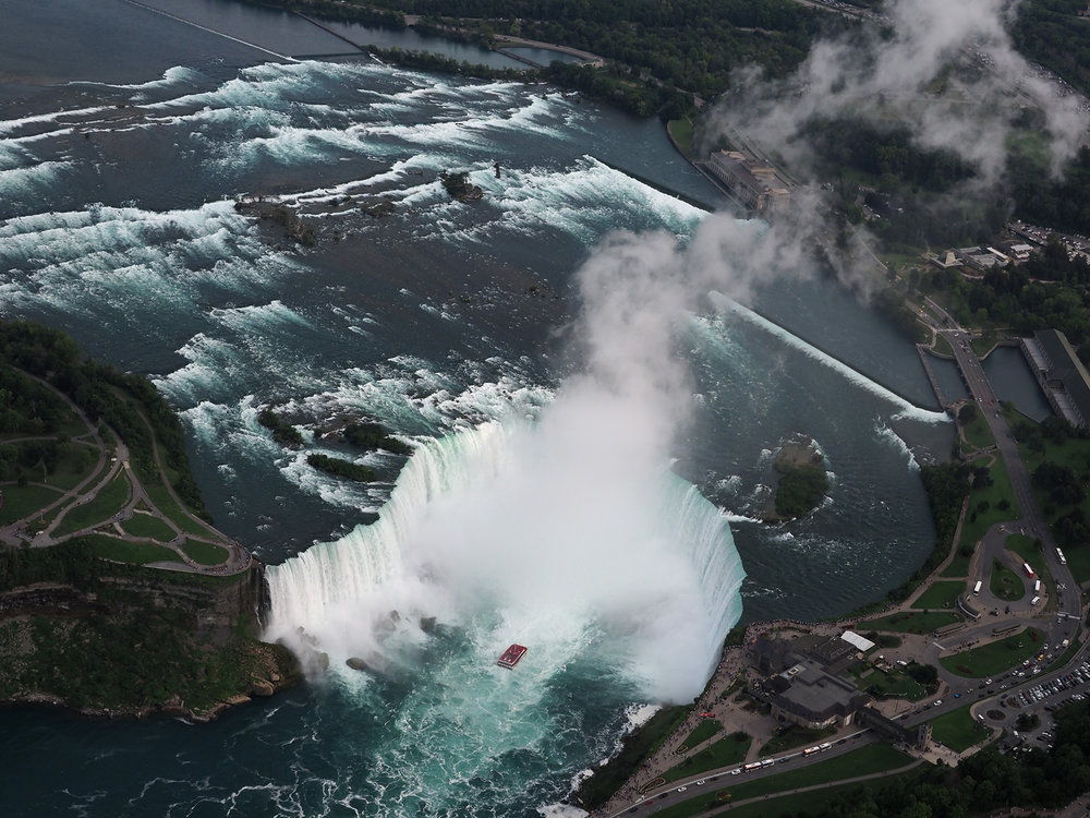 Ranjan_Ramchandani_The horseshoe at Niagara.jpg