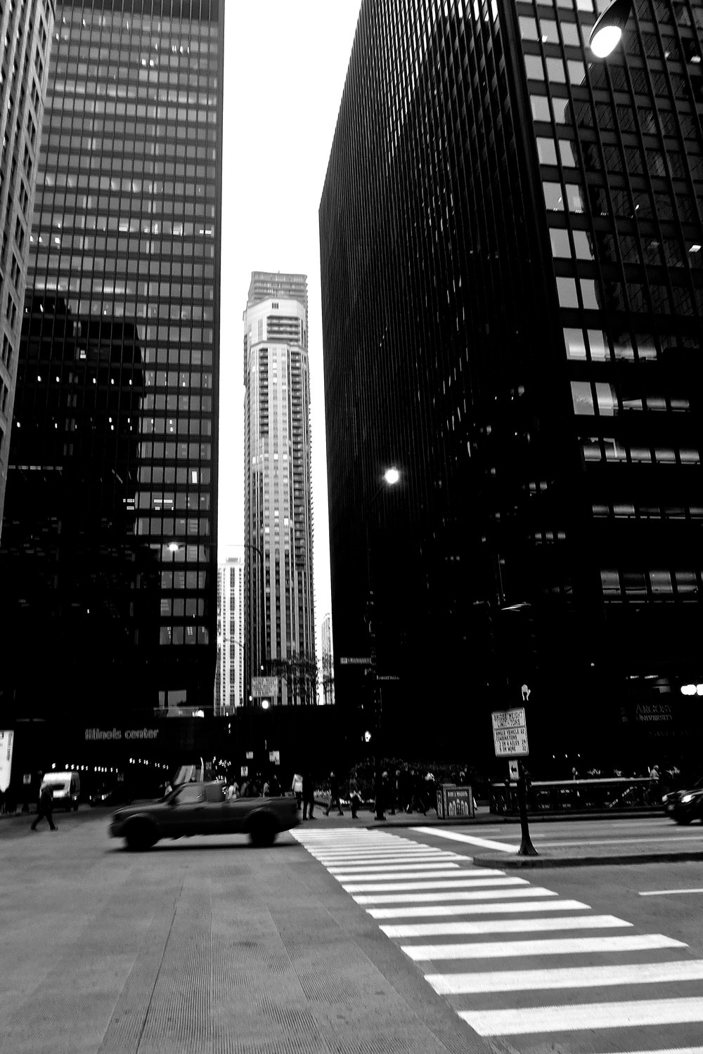 David_Vogel_CHICAGO STREET CORNER.jpg