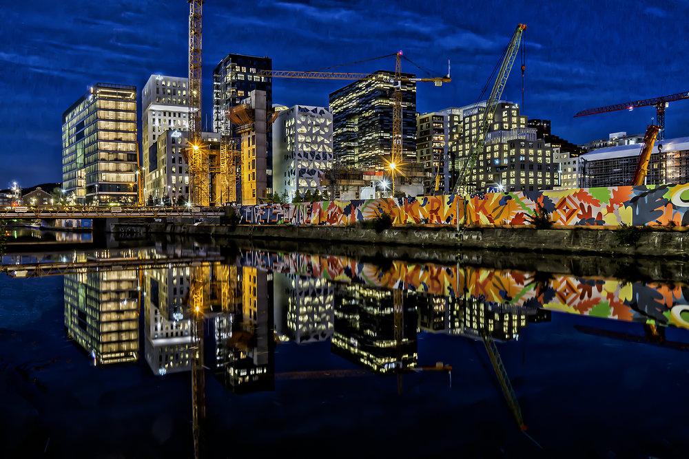 Carlos_Esguerra_Oslo Barcode Buildings-8570.jpg