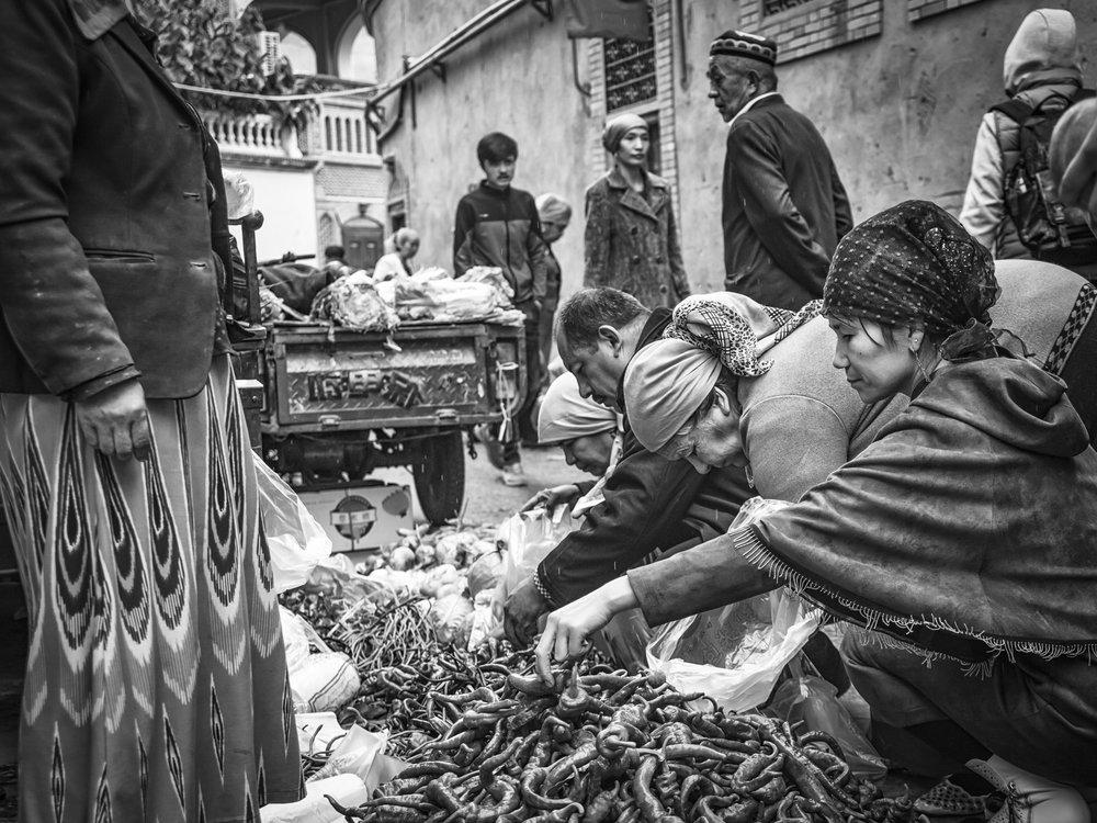 John_Eaton_Street Market Kashgar-3.jpg