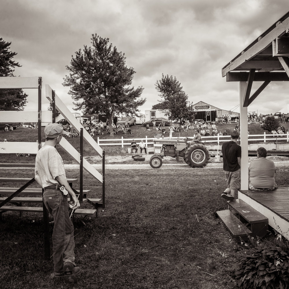 Michael_Knapstein_MidwestPeople_TractorParade_3.jpg