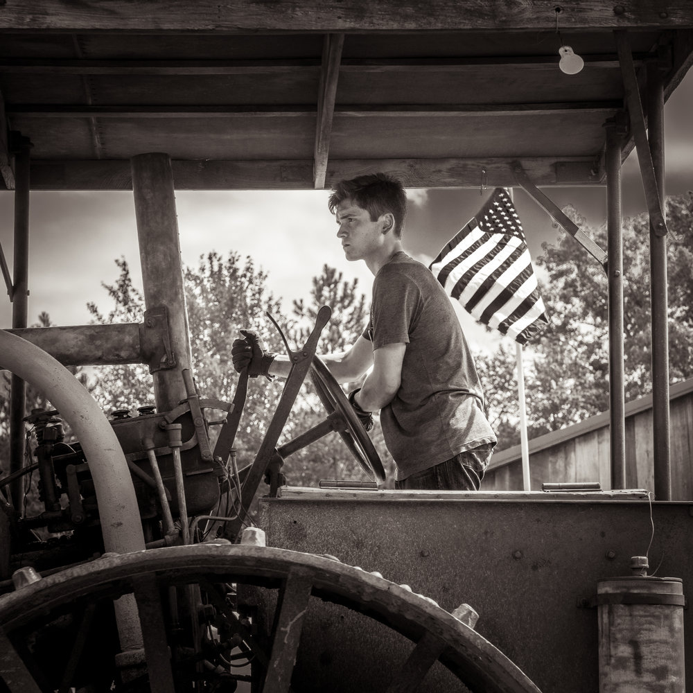 Michael_Knapstein_TheMidwesterners_TheTractorDriver_6.jpg