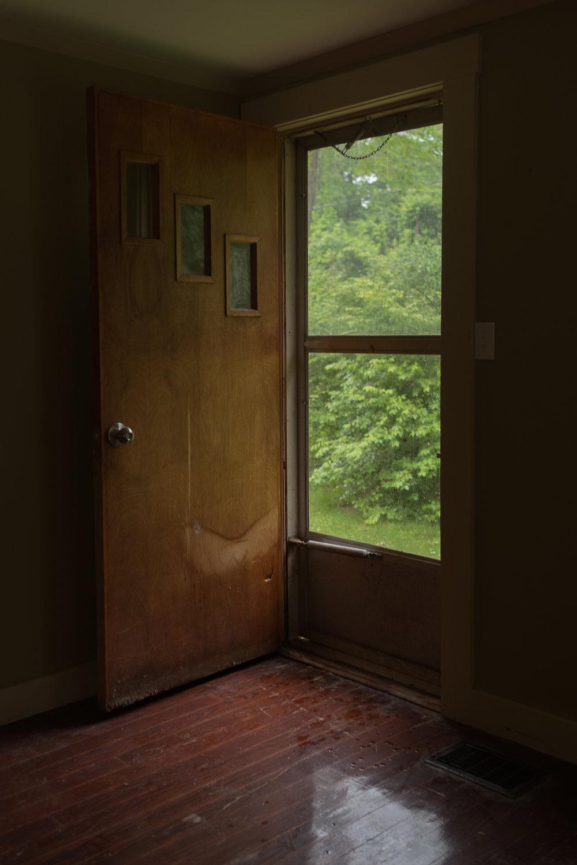 JOANN_CHAUS_THIS-IS-HERE_THREE-WINDOWS_5.jpg