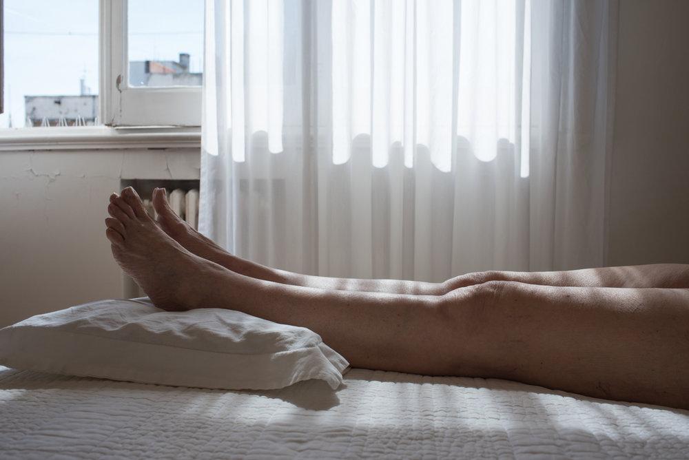 Josefinafmoran_Tati_my mothers legs_3.jpg