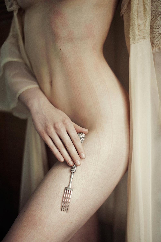 Iness_Rychlik_Beauty and Decay_Skinwriting_02.jpg.jpg