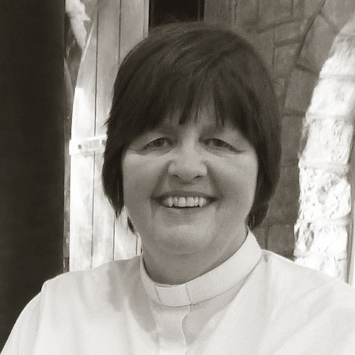 Revd-Sue-Brewer.jpg