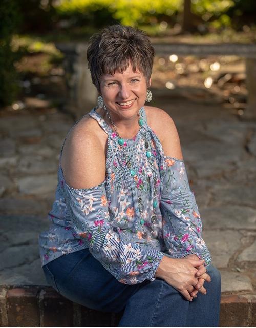Lori Foist Thompson