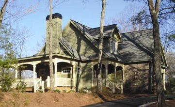 jolie house outside (2).jpg