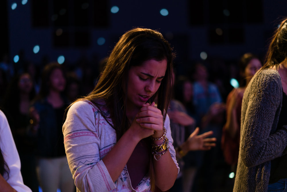Almah - Es un grupo de mujeres jóvenes buscando crecer juntas en el amor del Padre.