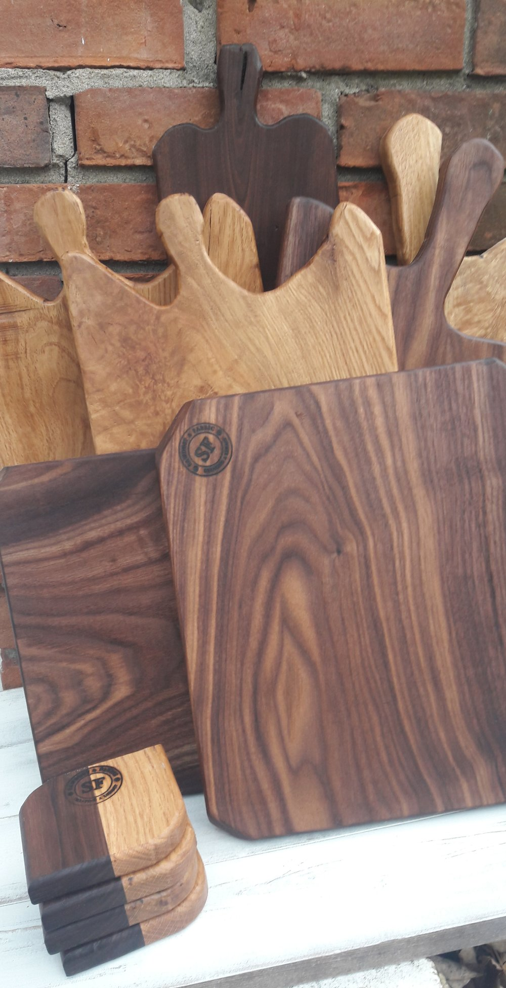 Handmade Cutting Boards & Serving Boards - Here at Sawdust & fabric I  always try to push my creativity to new levels. Custom cutting and serving boards from a mixture of exotic and traditional woods are sure to add extra warms and texture to your home and next gathering.