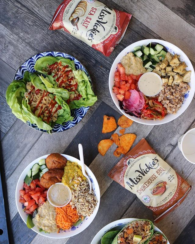 The limit does not exist. • • • • • #eatlocalleaf #localleaf #eatlocal #becomealocal #saladsaresoyesterday #cleaneating #healthy #dailyfoodfeed #eatupnewyork #feedfeed #foodiesofinstagram #nycdining #foodiegram #instafood #realfood #f52grams #nyceats #nyceeeeeats #eastcoastfoodies #thedailybite #foodilysm #nycfood #foodporn #thrillist #forkyeah #eater #newforkcity