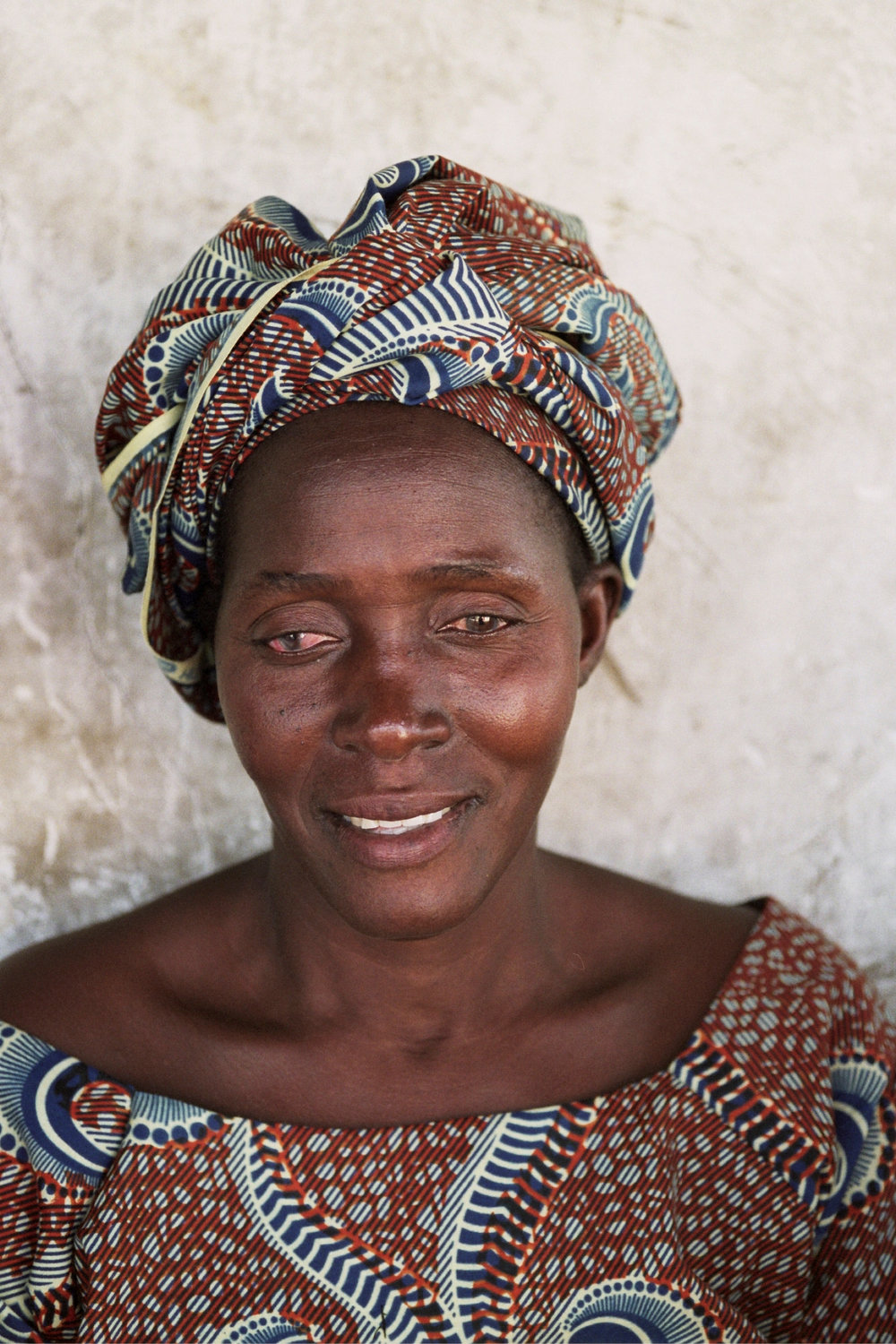 Senegal_lady_5.jpg