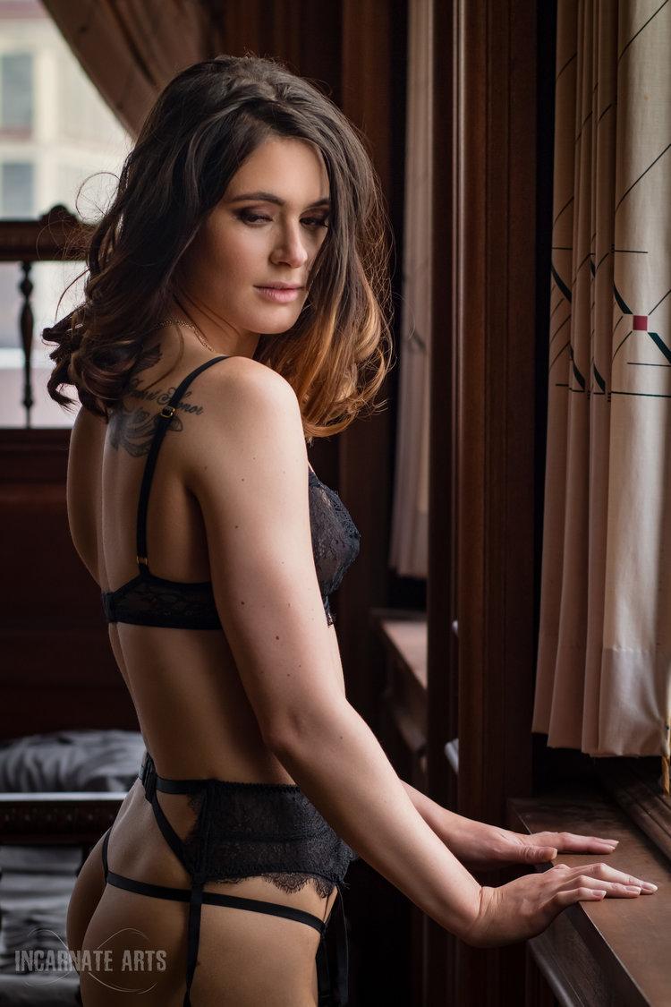 rachelle+boudoir+watermark-3.jpg