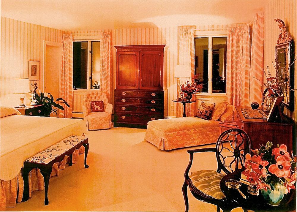 10-Yellow-Bedroom.jpg