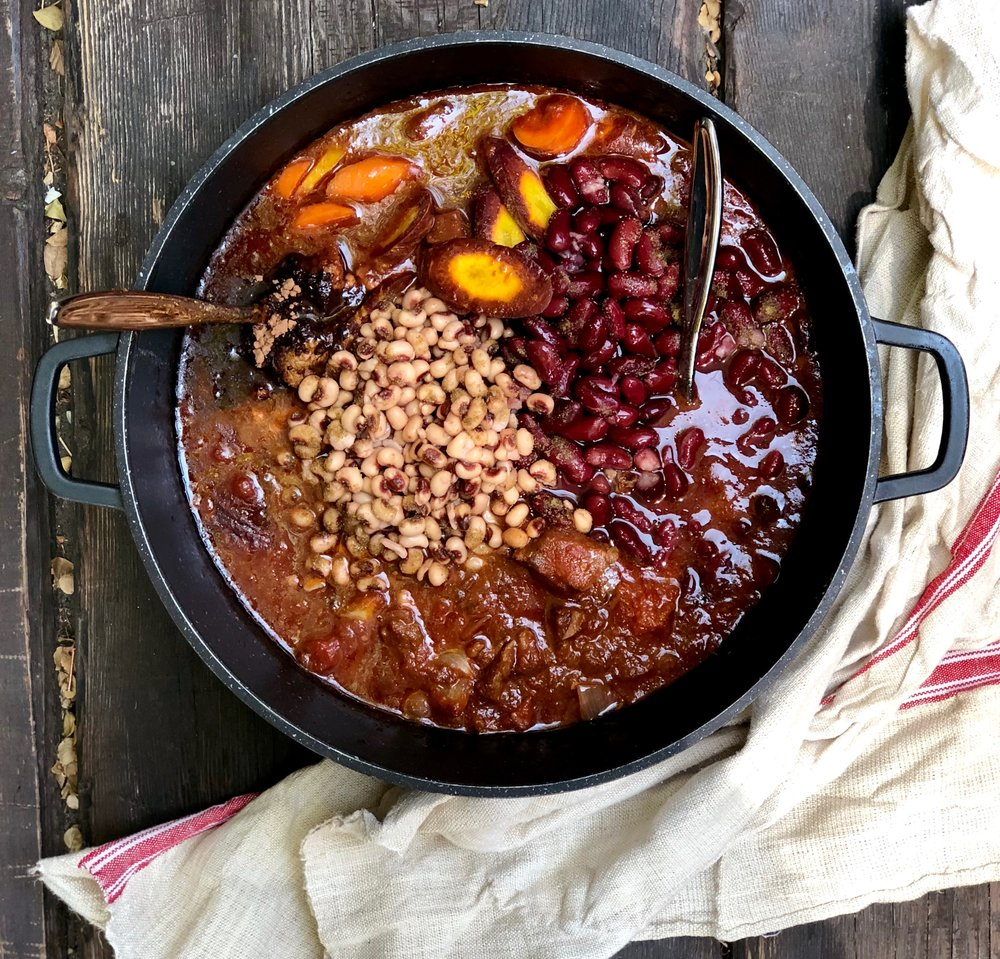 Dutch oven is the star of your show. Just put it on the table. And easy clean-up follows.