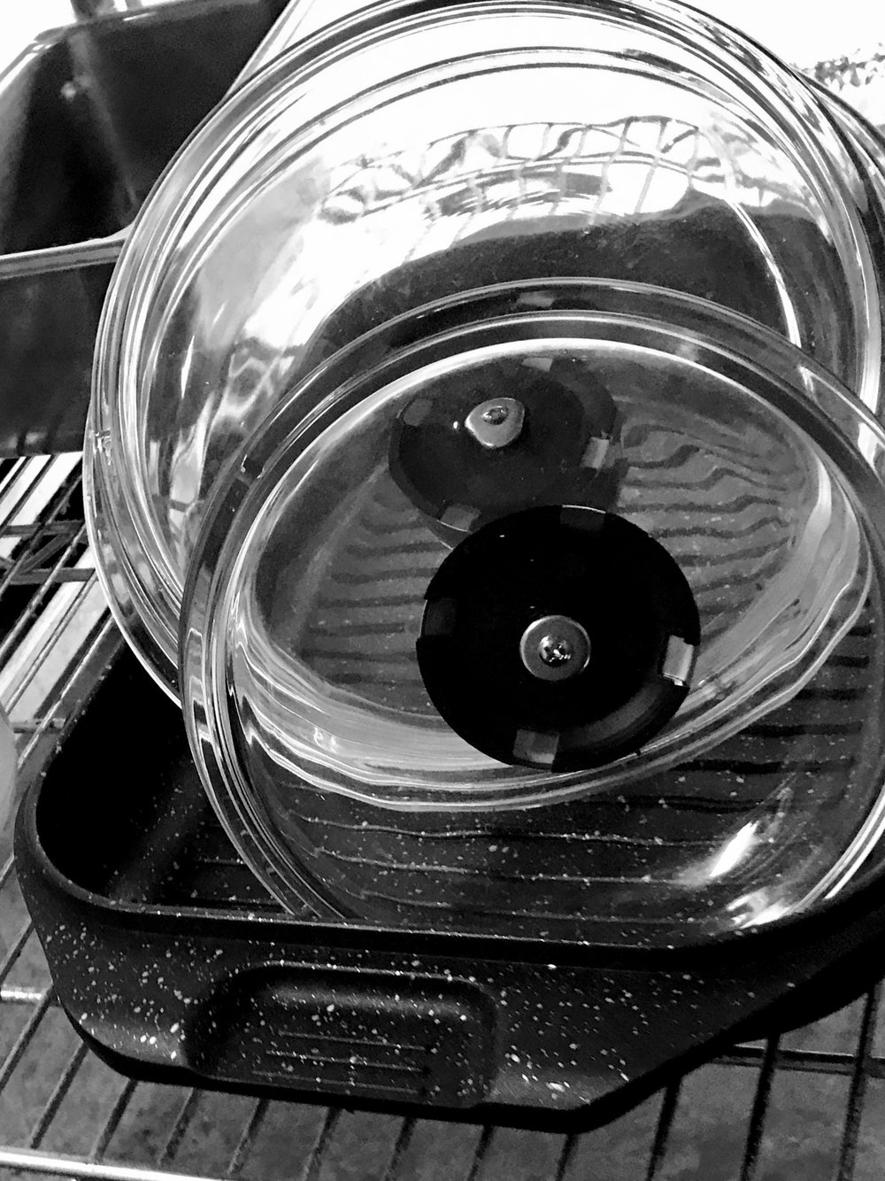 EuroCAST on the restaurant rack at Perlot in Portland. We at EuroCAST feel inspired by all the cooks in our lives — the people who raised us, the people we raise with pans in their hands, our favorite chefs, and our beloved friends.