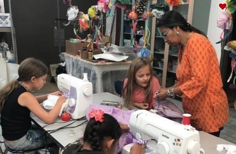 Malabika working with young fashion designers at Moving Arts Española