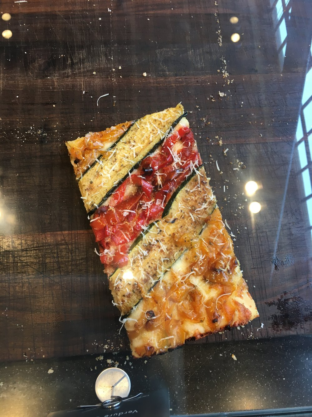 Starbucks Roastery Reserve is not only fun and great for coffee, check out their awesome pizza too!