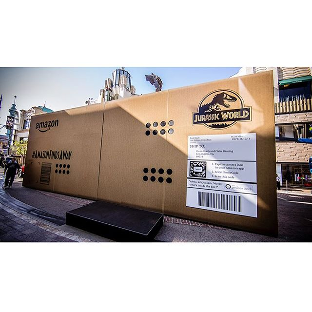 🦖✨📦 So, last week @toolofna helped bring the largest Amazon delivery in history to The Grove. Special delivery, who ordered a T-Rex? . . .  Shout out to our friends at Tool for an extremely epic collaboration with @amazonstudios @universalentertainment @jurassicworld @jeep @whitewallsfabrication and @cutandrunsf! #jurassicworld #toolofna #amazon #adweek #innovation #dancingdinosaurs #dinosaurs #specialdelivery #trex #losangeles #installation