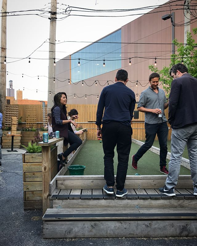 Bocce and brews with the best of em🍻 . . Epic week with @framestore celebrating their #eveningincolour, stay tuned for more #FramestoreEffect events this summer. #chicagosummer #chicagoevents #framestore #framestorechi #collective #bocce