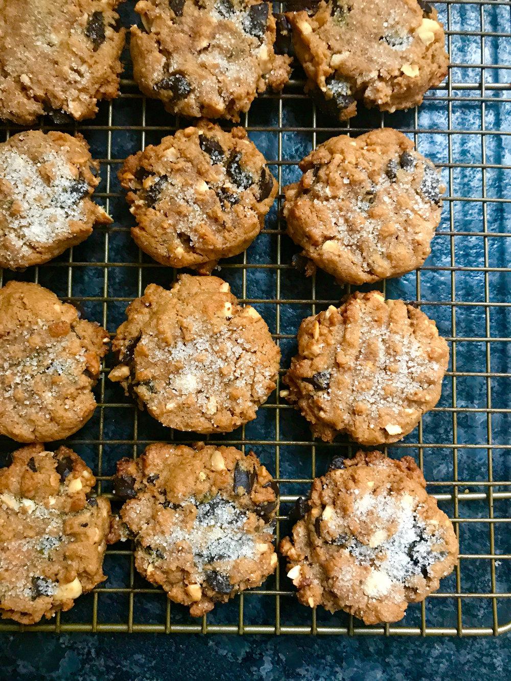 perfectpeanutbutterchocolatechunkcookies2.jpg