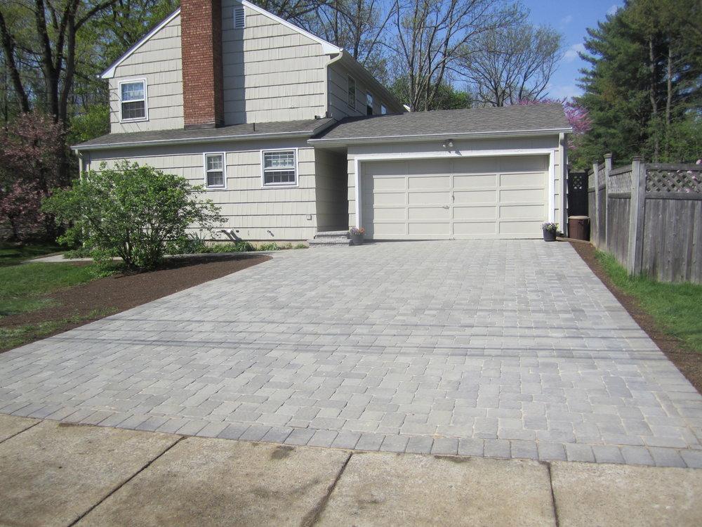 paver driveway install.JPG