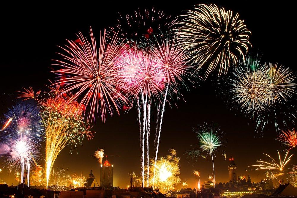 new-years-eve-1953253_1920.jpg