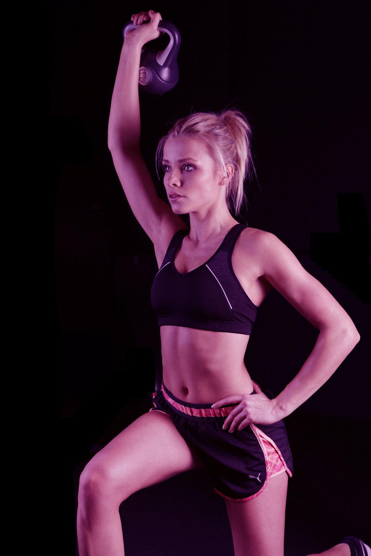 26-fit-woman-doing-kettlebell-exercise2.jpg