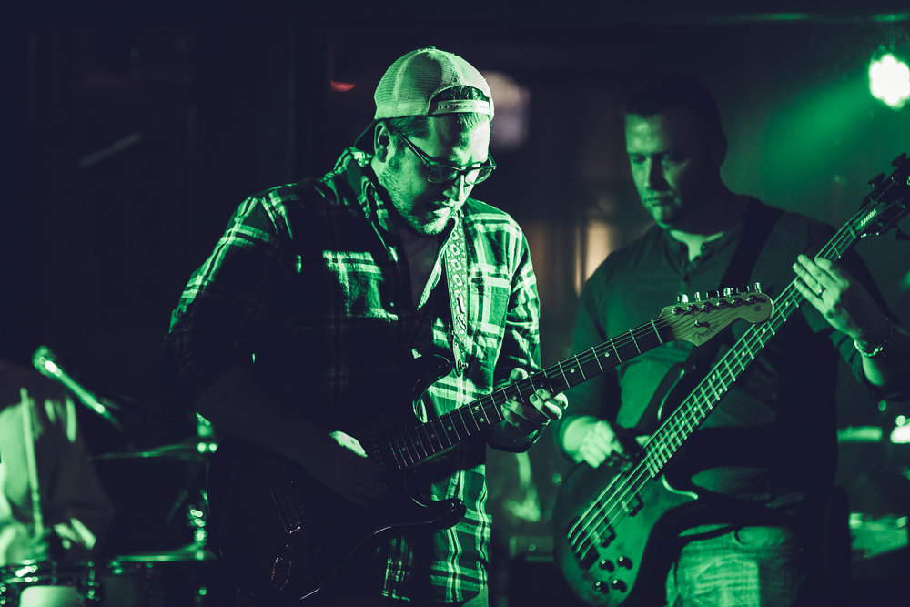 Tim Wright - Electric Guitar / Vocals