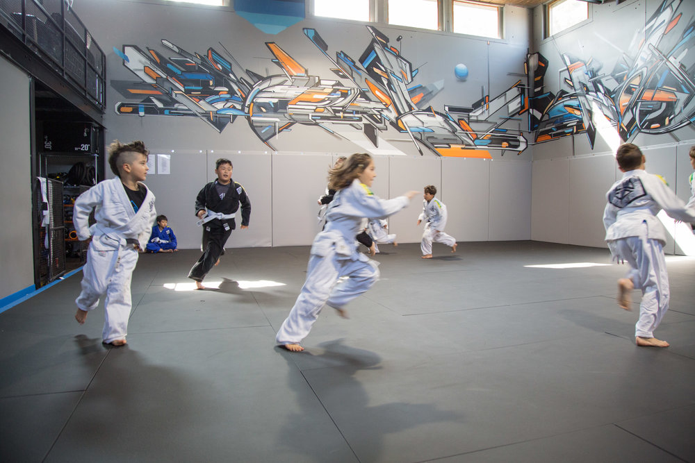 4POINTS BJJ YOUTH RUNNING